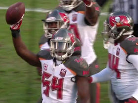 Watch: Lavonte David recovers fumble