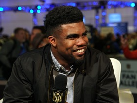 Watch: Fan Pass: Ezekiel Elliott soaks up the action at the NFL Experience