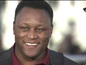 Watch: Barry Sanders makes appearance on red carpet