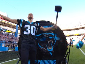 Watch: Curry pumps up Panthers fans