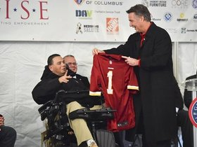 Watch: Redskins Help Army Vet Break Ground On New Home