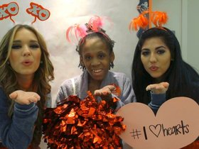 Watch: Texans spread love at Texas Childrens Hospital
