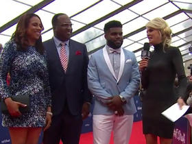 Watch: Ezekiel Elliott discusses his outfit: 'It wasn't really planned'
