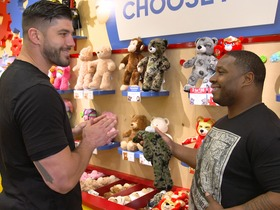 Watch: Build a Bear with a Chicago Bear