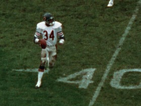 Watch: Relive Walter Payton's touchdown passes