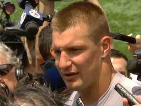Watch: Gronkowski: We are confident in Garoppolo