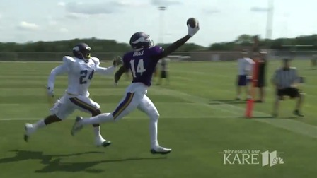 Stefon Diggs Makes Awesome One Handed Catch Nfl Videos