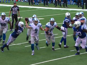 Matthew Stafford escapes sack and finds Ameer Abdullah for 13 yards