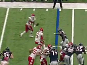 Watch: Charcandrick West takes a pitch from Alex Smith for 21 yards