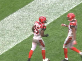 Watch: Can't-Miss Play: Giovani Bernard 25-yard touchdown