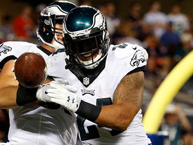 Watch: Ryan Mathews rushes for TD on 4th down