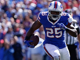 Watch: LeSean McCoy runs up the middle for 24-yard TD
