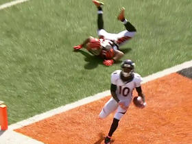 Watch: Emmanuel Sanders brings down 7-yard TD pass