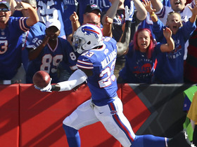 Watch: Aaron Williams returns botched snap for 53-yard TD
