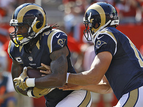 Watch: Toddy Gurley rushes up the middle for a 1-yd TD