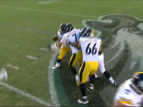 Watch: Ben Roethlisberger fumbles on sack strip, Eagles recover
