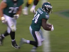 Watch: Kenjon Barner jukes defenders for 8-yard TD run