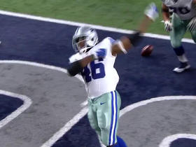 Watch: Alfred Morris runs it up the gut for a 3-yard TD