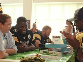 Watch: Steelers' rookies bring joy to Children's Hospital
