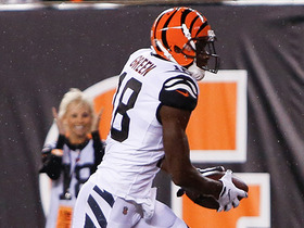 Watch: A.J. Green breaks tackle for 7-yard TD