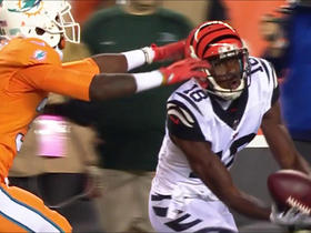 Watch: A.J. Green pulls in catch between two defenders