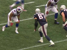 Rob Gronkowski records his first catch of the season