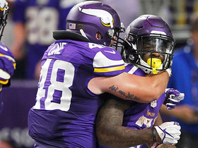 Jerick McKinnon finds hole for 4-yard rushing TD