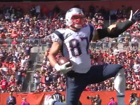 Brady finds Gronk for 37-yard gain