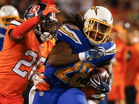 Watch: Melvin Gordon bursts through hole for 48 yards