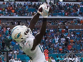 Jarvis Landry hauls in leaping back-shoulder grab on third down