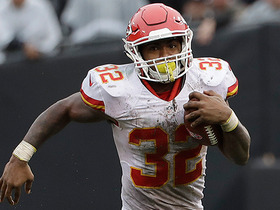 Watch: Chiefs' O-line plows Raiders, Spencer Ware rushes for 45 yards
