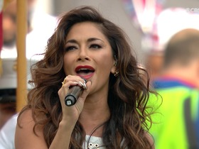 Watch: Nicole Scherzinger sings U.S. National Anthem