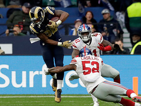 Watch: Gurley slips tackles for catch-and-run of 20 yards