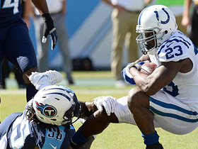Watch: Andrew Luck threads the needle to Frank Gore for 3-yard TD