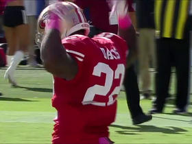Watch: Mike Davis runs in for a 4-yard touchdown