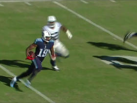 Marcus Mariota hits Tajae Sharpe in hurry up offense for 21 yards