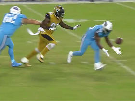 Watch: Failed running back pitch by Titans, loss of 12 yards