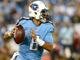 Watch: Mariota scrambles for first down