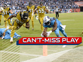 Watch: Can't-Miss Play: Murray changes direction for TD off Mariota block