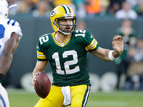 Rodgers fakes to go deep, scrambles for 21 yards
