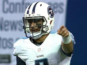 Marcus Mariota finds Tajae Sharpe for 21 yards
