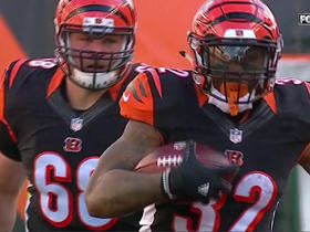 Watch: Jeremy Hill hurdles his way to 20-yard gain
