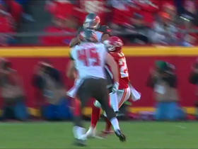 Winston throws to Shorts for 11 yards on third down