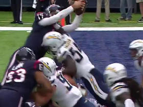 Watch: Brock Osweiler dives over the pile for 1-yard TD