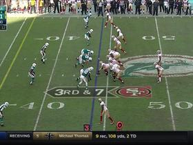 Watch: Kaepernick scrambles up the middle for 20 yards