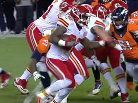 Ware gets defenders to miss on 7-yard run