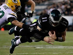 Watch: Wentz scores on first rushing TD of career