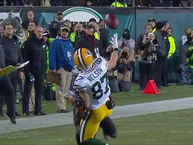 Nelson secures juggling catch for first down