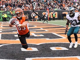 Watch: Eifert lays out, hauls in 13-yard lofted TD pass from Dalton
