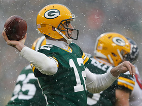 Watch: Aaron Rodgers finds Davante Adams for a 17-yard catch